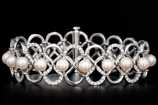 Modern 18K White Gold 6MM Pearl and Diamond Bracelet - Queen May