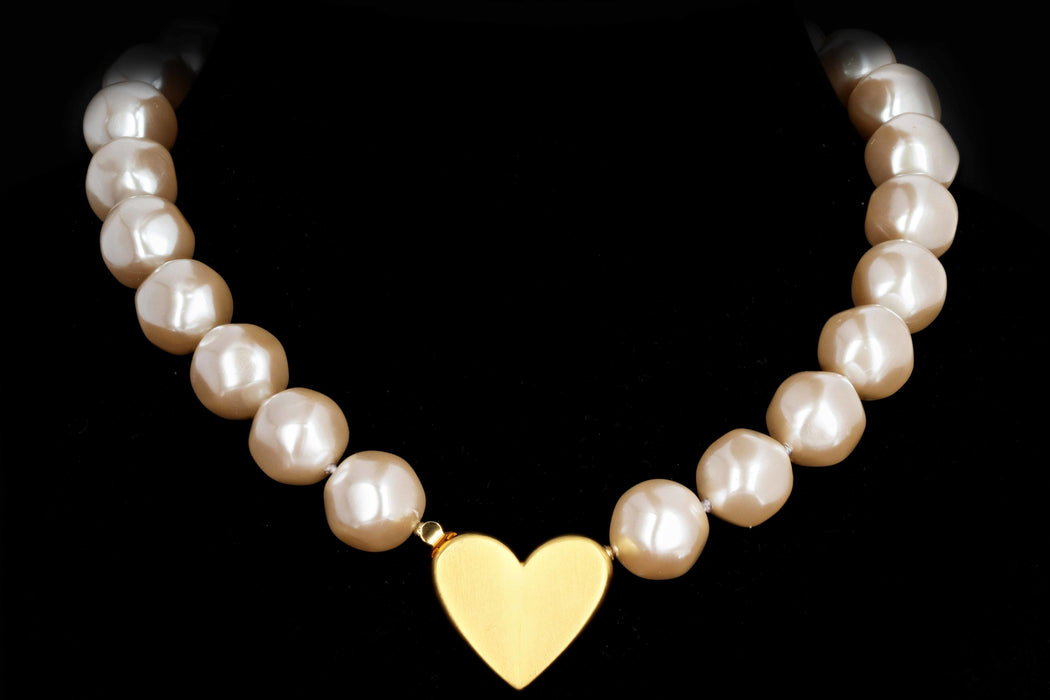 Givenchy Statement Pearl Heart Necklace - Queen May