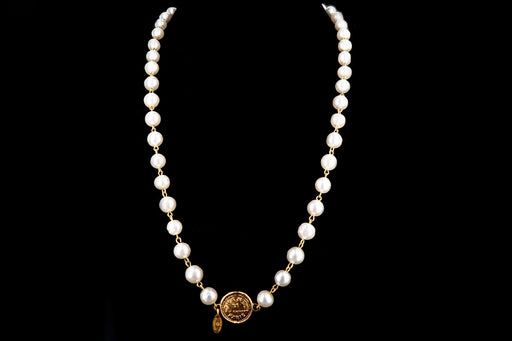 Vintage Chanel 31 Rue Cambon Paris Faux Pearl Necklace - Queen May