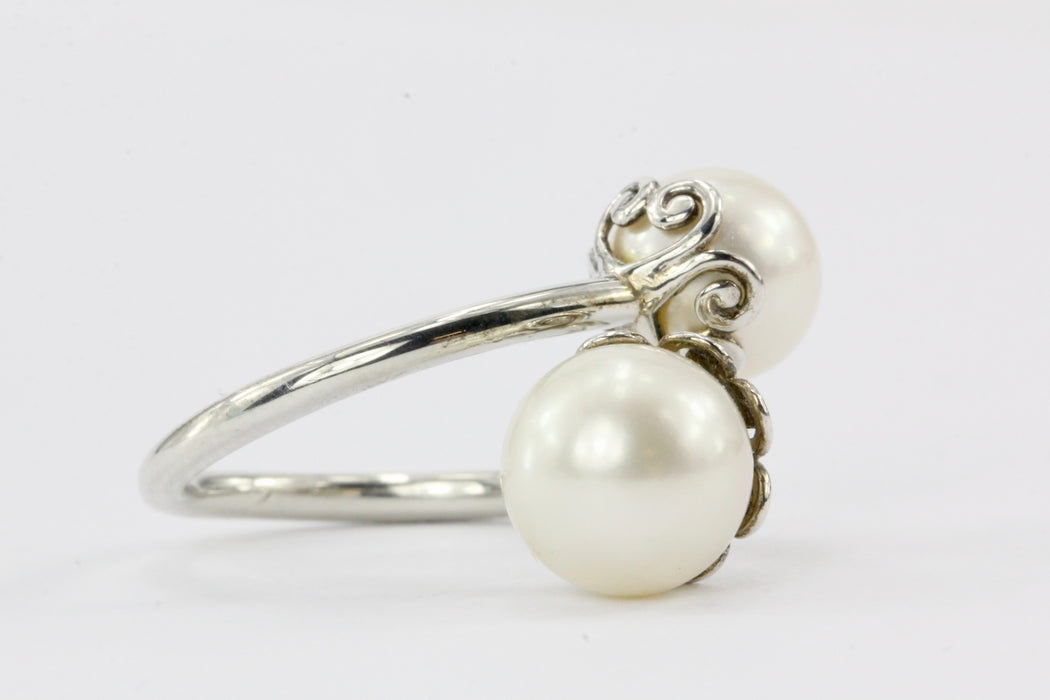 Tiffany & Co. Sterling Silver Goldoni Heart Pearl Ring with Pouch - Queen May