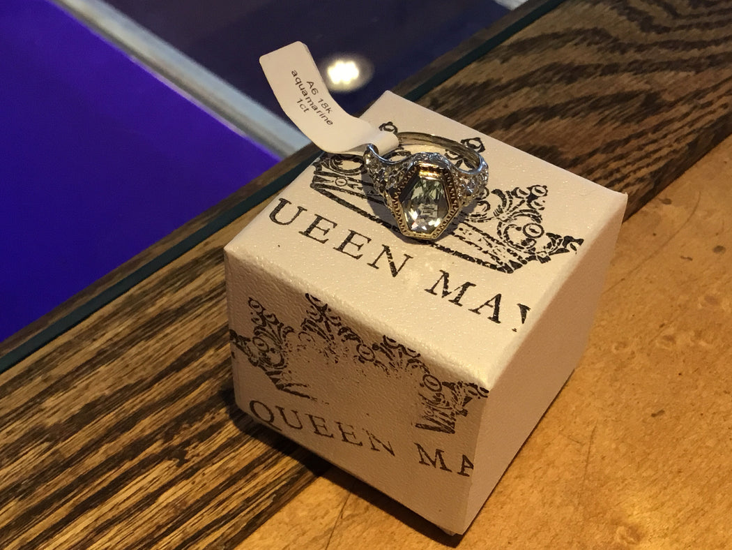 18k aquamarine ring RESERVED for Becky - Queen May