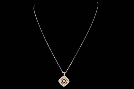 Modern 18K Gold .34 Carat Round Brilliant Diamond Pendant Necklace - Queen May