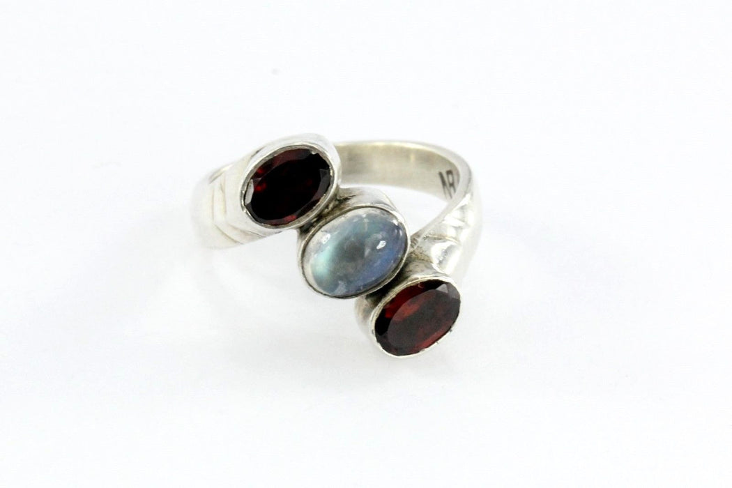 Vintage Sterling Silver Garnet & Moonstone Ring - Queen May