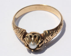 Antique Victorian 18K Gold Belcher Mounted Pearl Ring