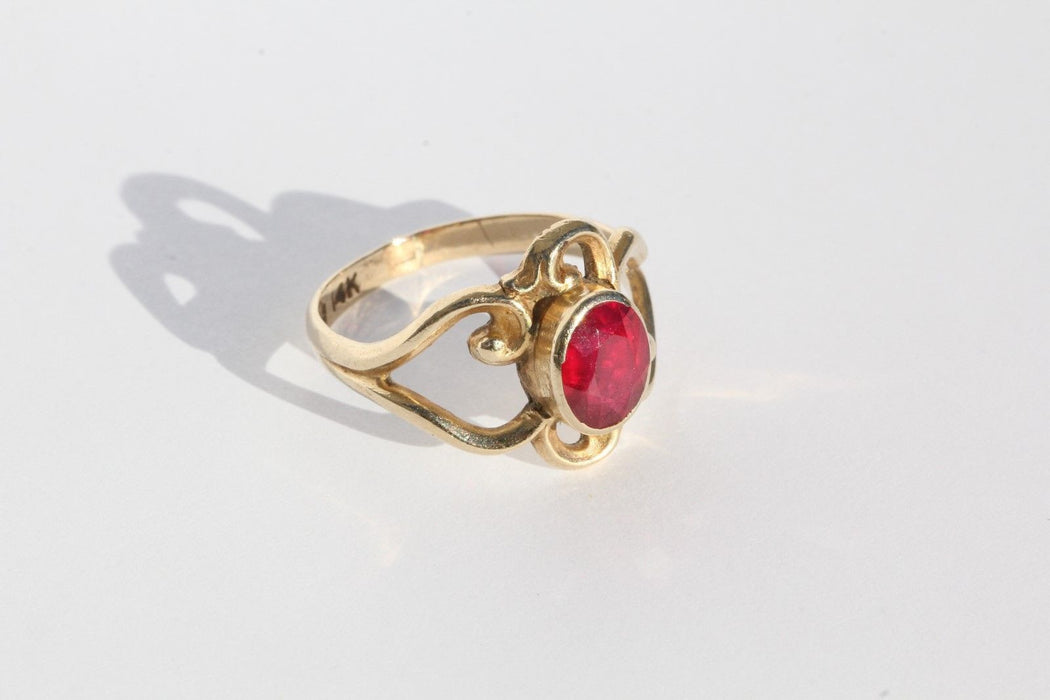 Vintage 14K Gold & Ruby Rocco Scroll Ring - Queen May