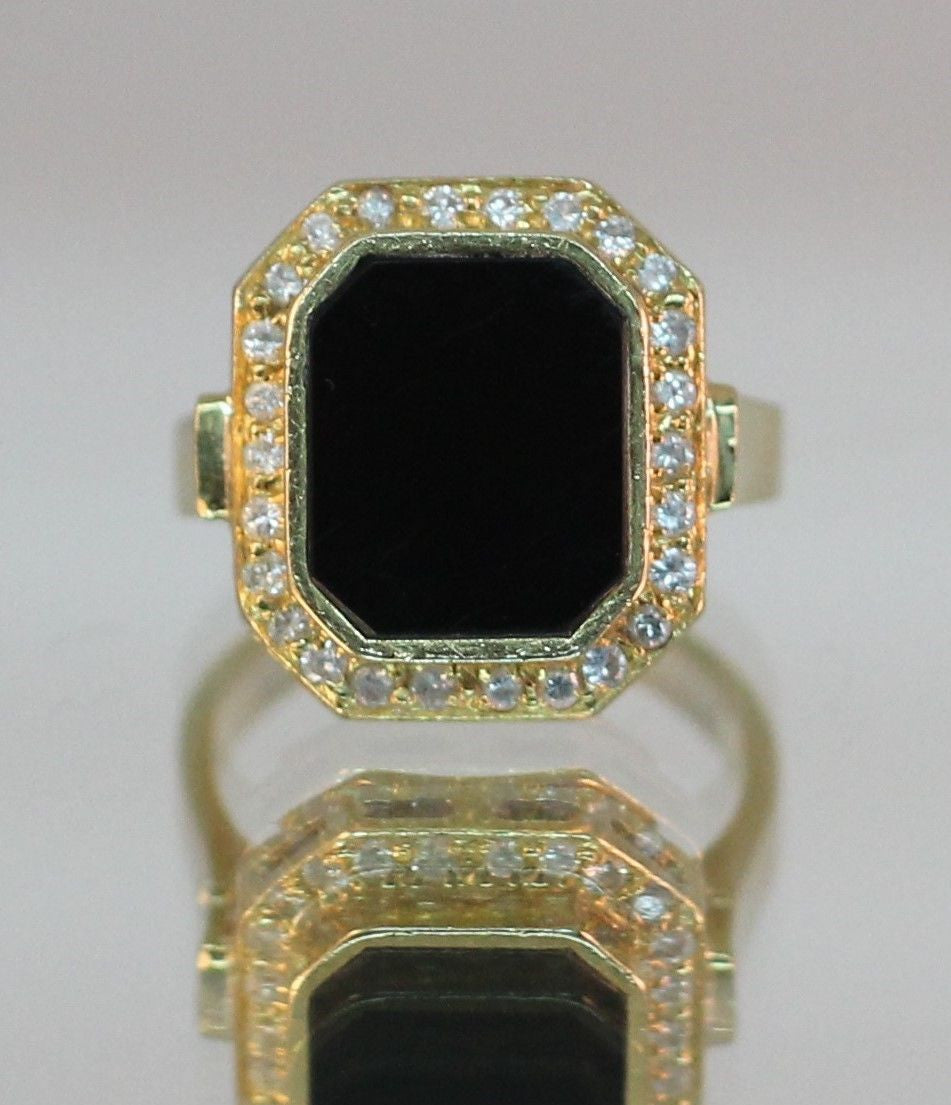 Authentic La Triomphe 18K Gold Diamond & Onyx Ring - Queen May