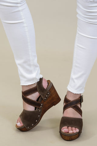 Baja Wedge, Tan | CL by Laundry