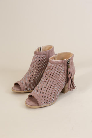 Core Tassel Boot, Nutmeg