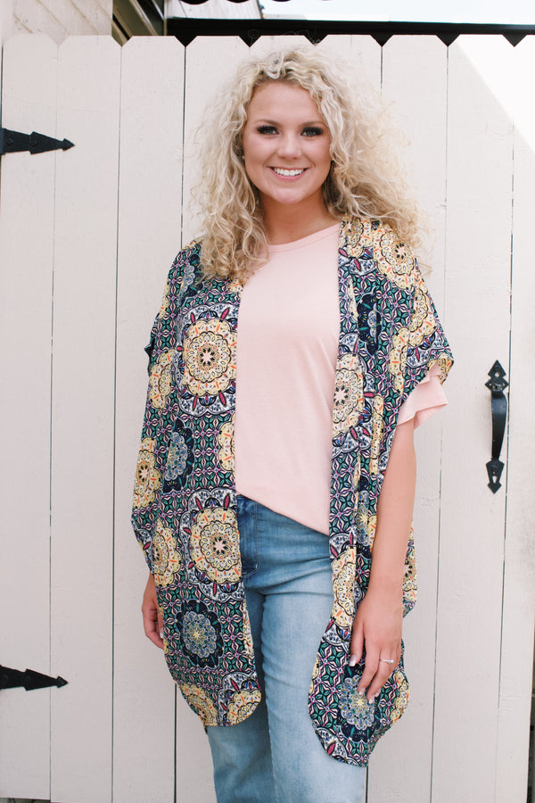 Kaleidoscope Floral Short Sleeve Kimono, Yellow/Navy | Plus Size