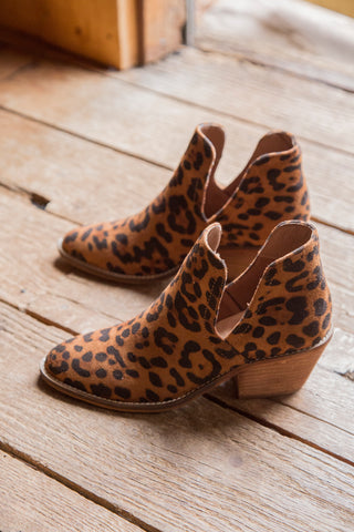 Jody Block Heel, Cheetah | CL by Laundry