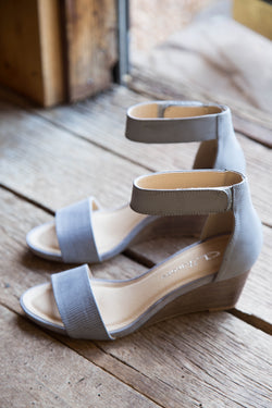Hot Zone Wedge Sandal, Grey | CL by Laundry