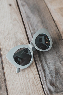 Mila Rounded Sunnies, Grey