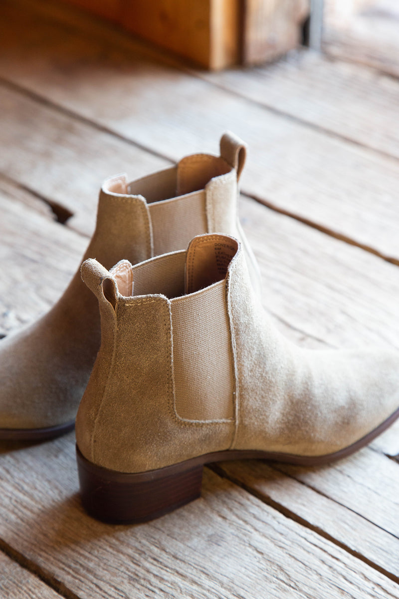 Dover Suede Chelsea Boot, Natural | Steve Madden