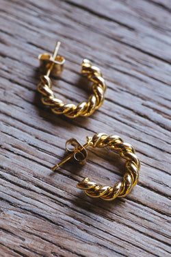 Lumi Spiral Huggie Hoop Earrings, Gold