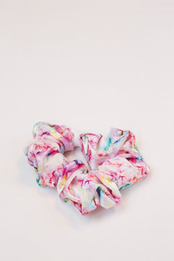 On The Bright Side Scrunchie, Light Pink