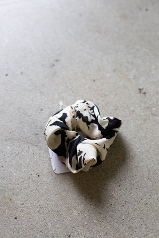 Floral Scrunchie Hair Tie, Black/Cream