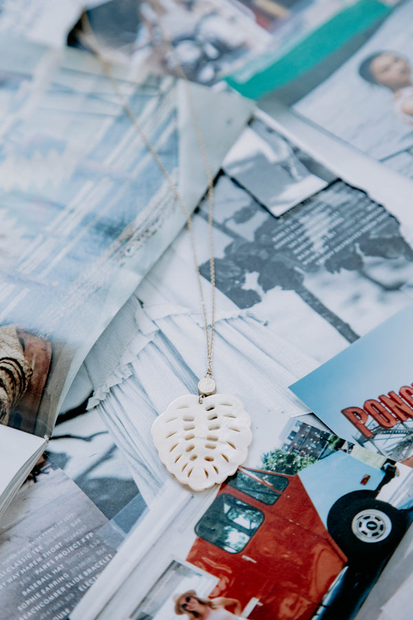 Shell Leaf Pendant, Cream