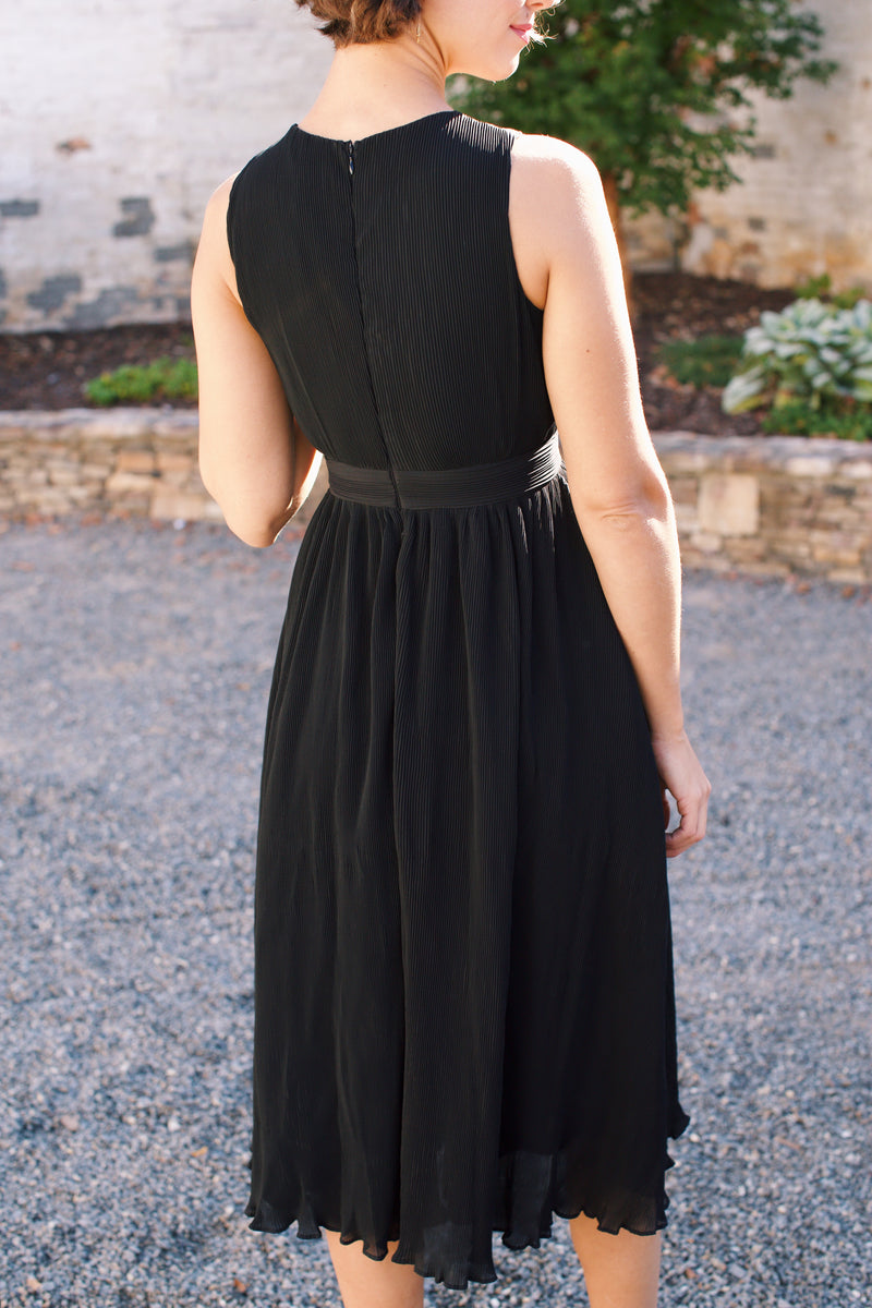 Love Somebody Cross Over Front Pleated Midi Dress, Black