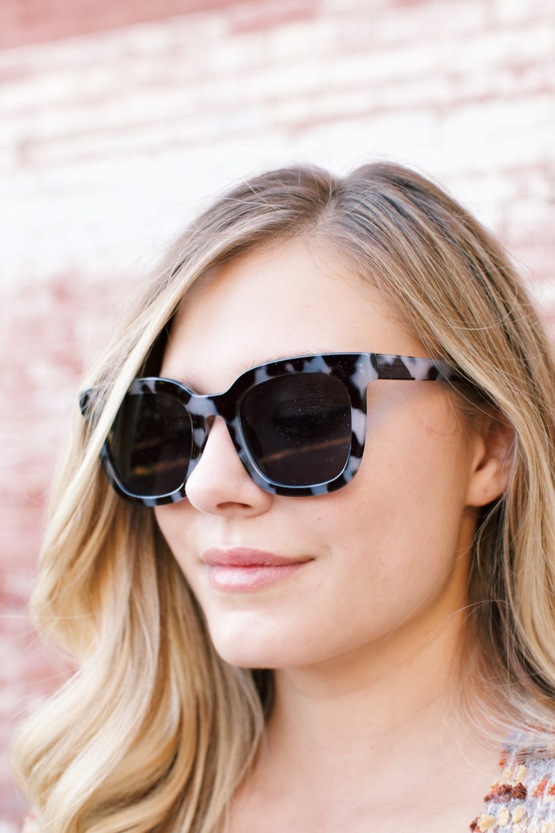Line Up Sunnies, Grey Tort