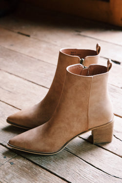 Cindy Pointed Toe Bootie, Camel
