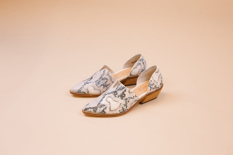 Matcha Snake Print Stacked Heel, Sunbleached Cream | Chinese Laundry