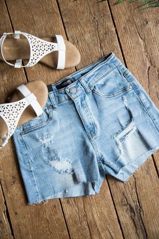 Bayside Distressed Shorts, Light