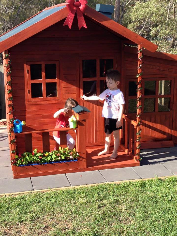 Malibu Large CUBBY HOUSE (IN STOCK LATE NOVEMBER/FIRST WEEK IN DECEMBER) CHRISTMAS holding system is now available - send us an email to find out more.By placing a 30% deposit it will be held until DECEMBER.