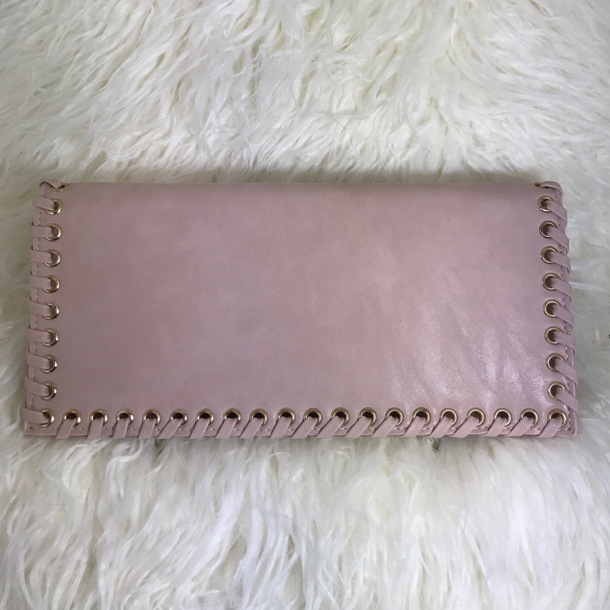 BLUSH EAST WEST CLUTCH - Glam Envy