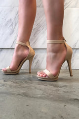 STEP ABOVE HEELS - Glam Envy - 1