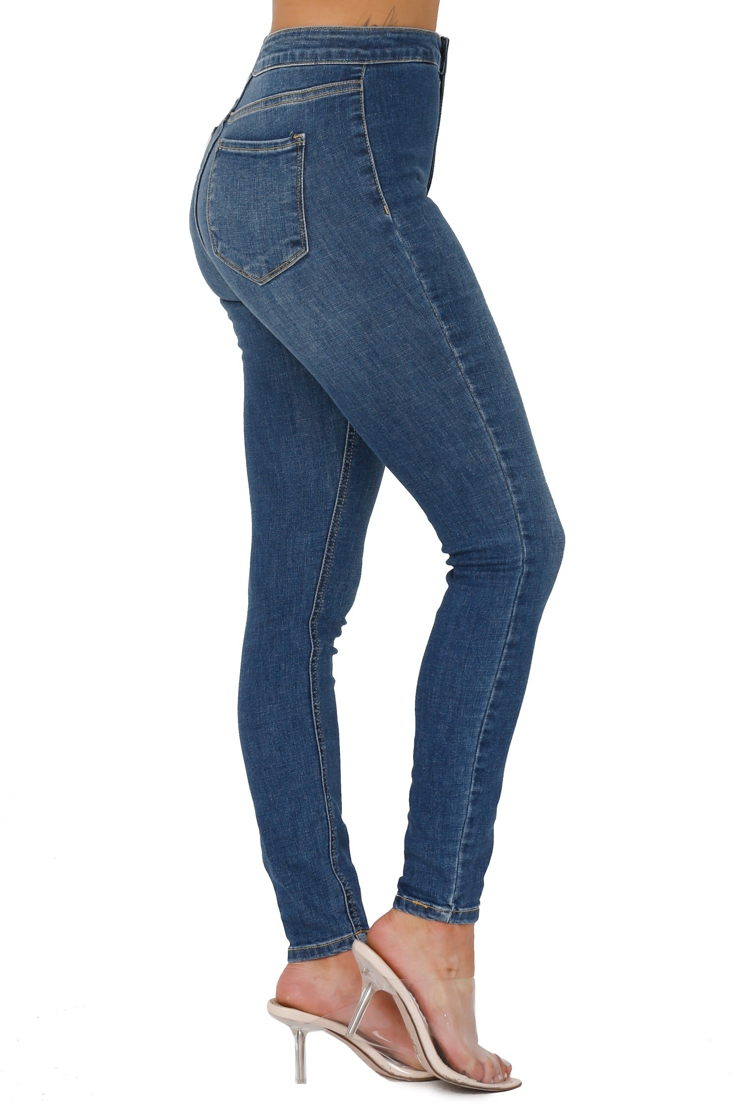 RETRO VIBES HIGH RISE JEANS (FINAL PIECE SIZE 3)