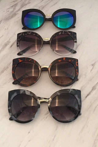 GLAMIFIED SUNGLASSES