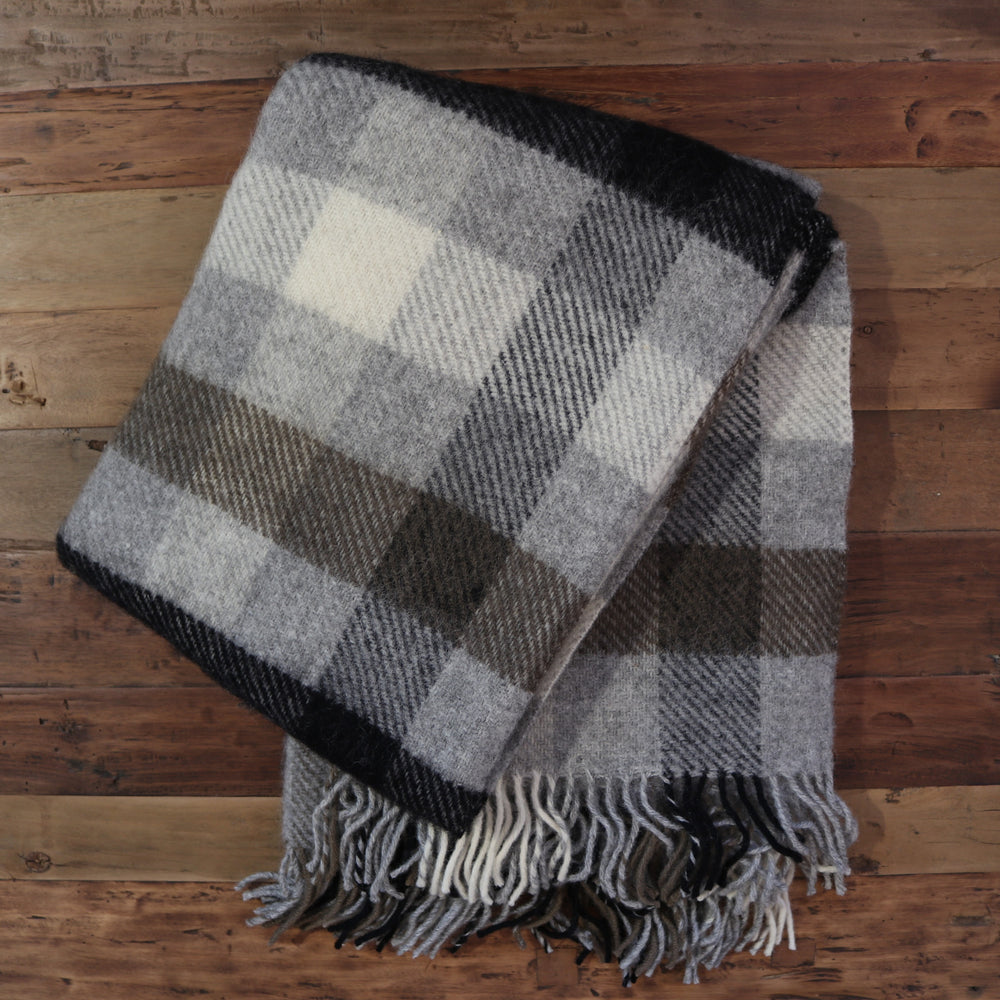 Gotland Throw Multi Grey