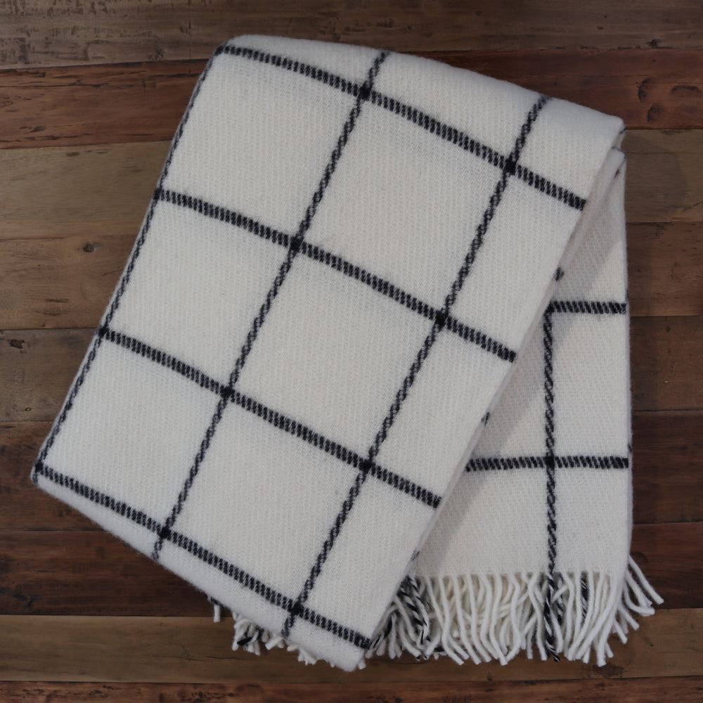 Vinga Throw White
