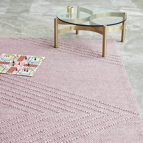 <span style='color:white'>012F</span> Avro Rug