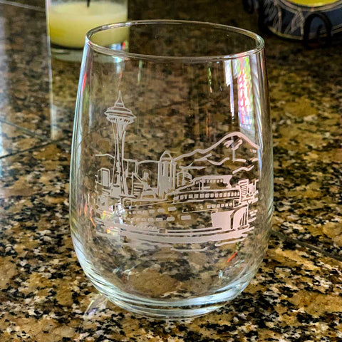 PNW Skyline Stemless 17oz Wine Glass