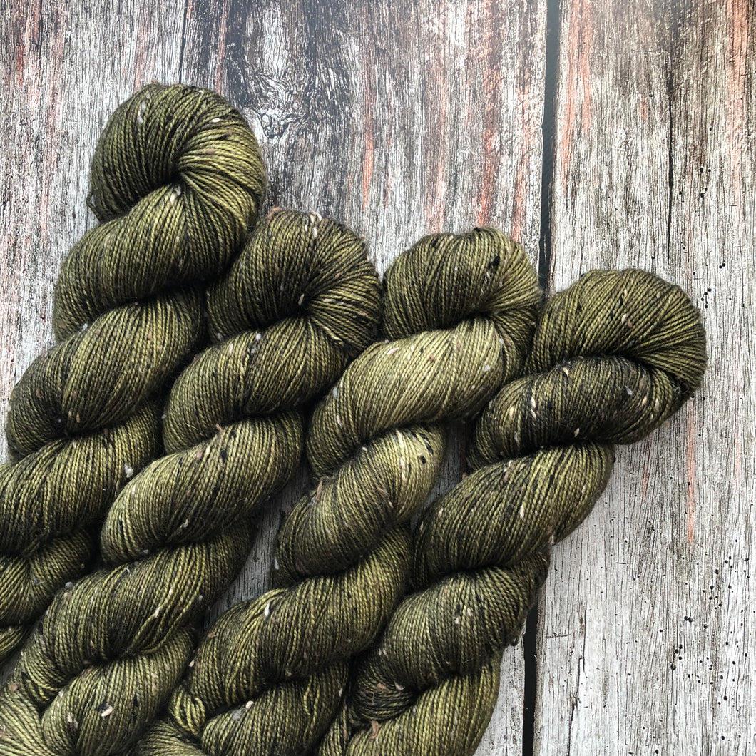 Tumnus Tweed BFL - Olive You Forever
