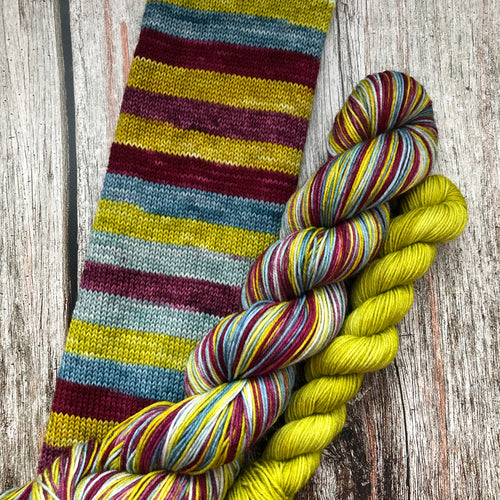 Sojourn Self-Striping Sock - Ilvermorny