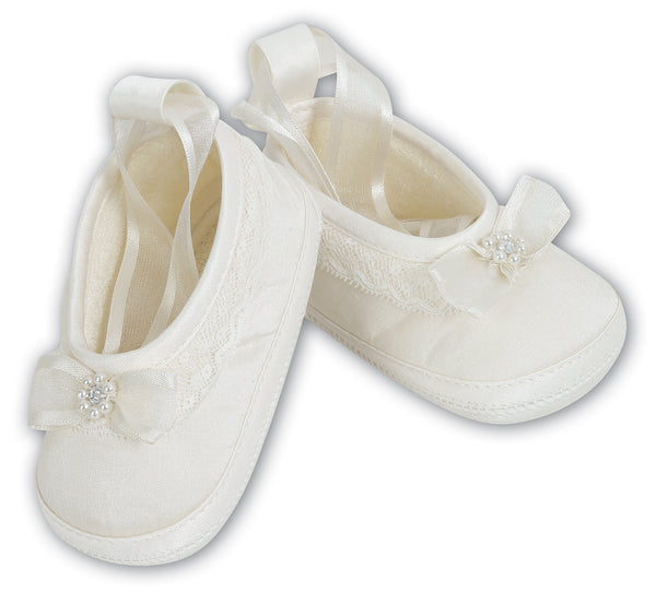 Sarah Louise Baby Girls White Lace & Bow Pre-Walker Shoes