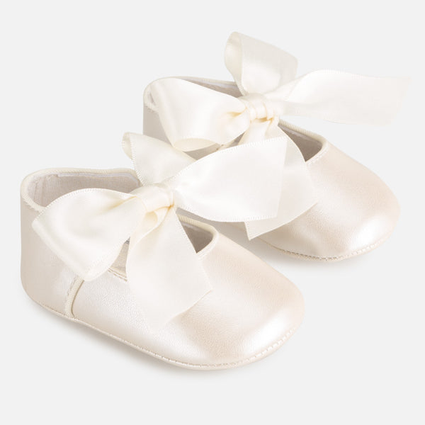 Mayoral Baby Girl Ivory Bow Pram Shoes 9284