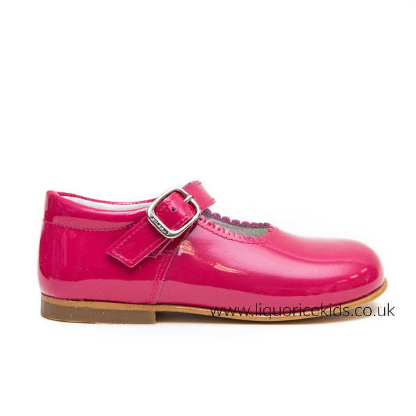 Andanines Girls Hot Pink Patent Mary Janes With Scallop Edging. - Liquorice Kids