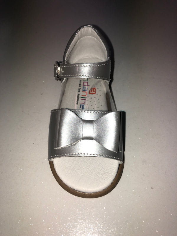 Andanines Girls Silver Patent Double Bow Sandals