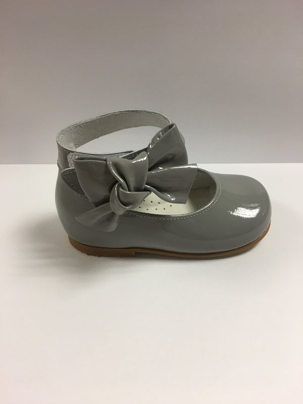 Andanines Girls Ice Grey Patent Mary Janes With Ankle Strap - Liquorice Kids