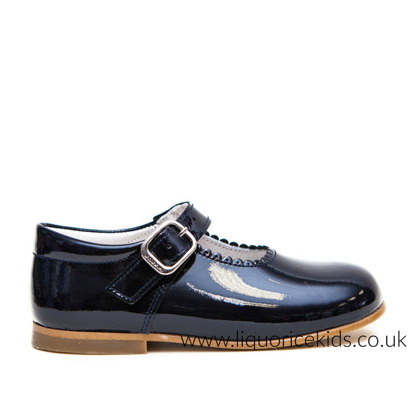 Andanines Girls Navy Blue Patent Mary Janes With Scallop Edging. - Liquorice Kids