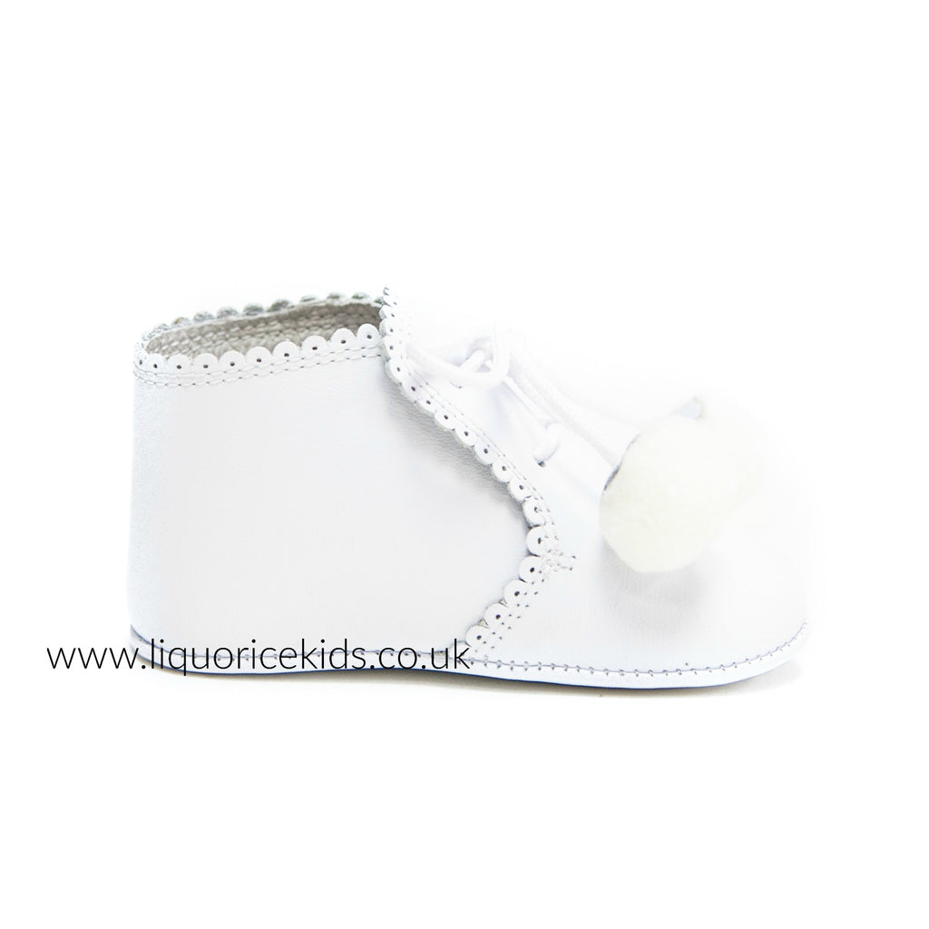Andanines White Soft Leather Pom Pom Pram Shoes - Liquorice Kids