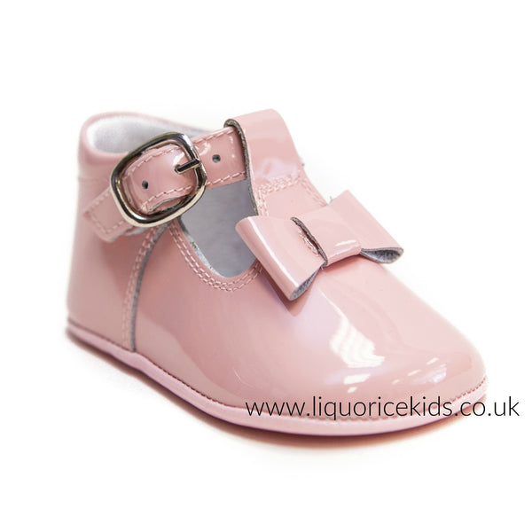Andanines Pale Pink Patent Soft Sole Bow Pram Shoe