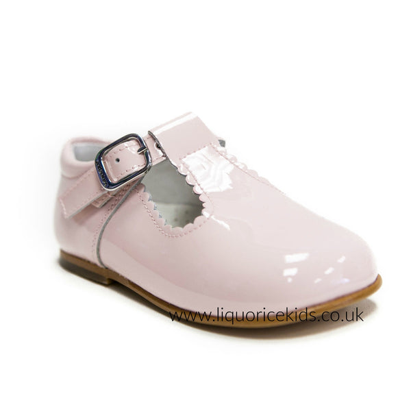 Andanines Pale Pink Patent Leather T-Bars Scallop Edging