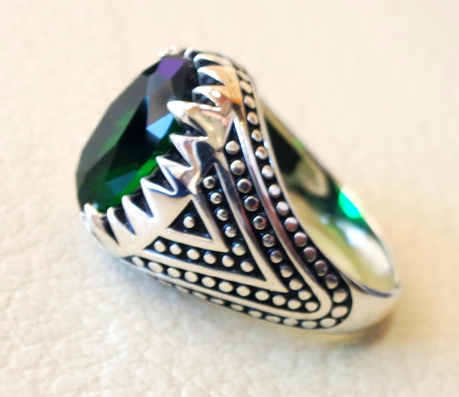 deep vivid fancy emerald green synthetic corundum oval stone high quality stone sterling silver 925 men ring all sizes jewelry