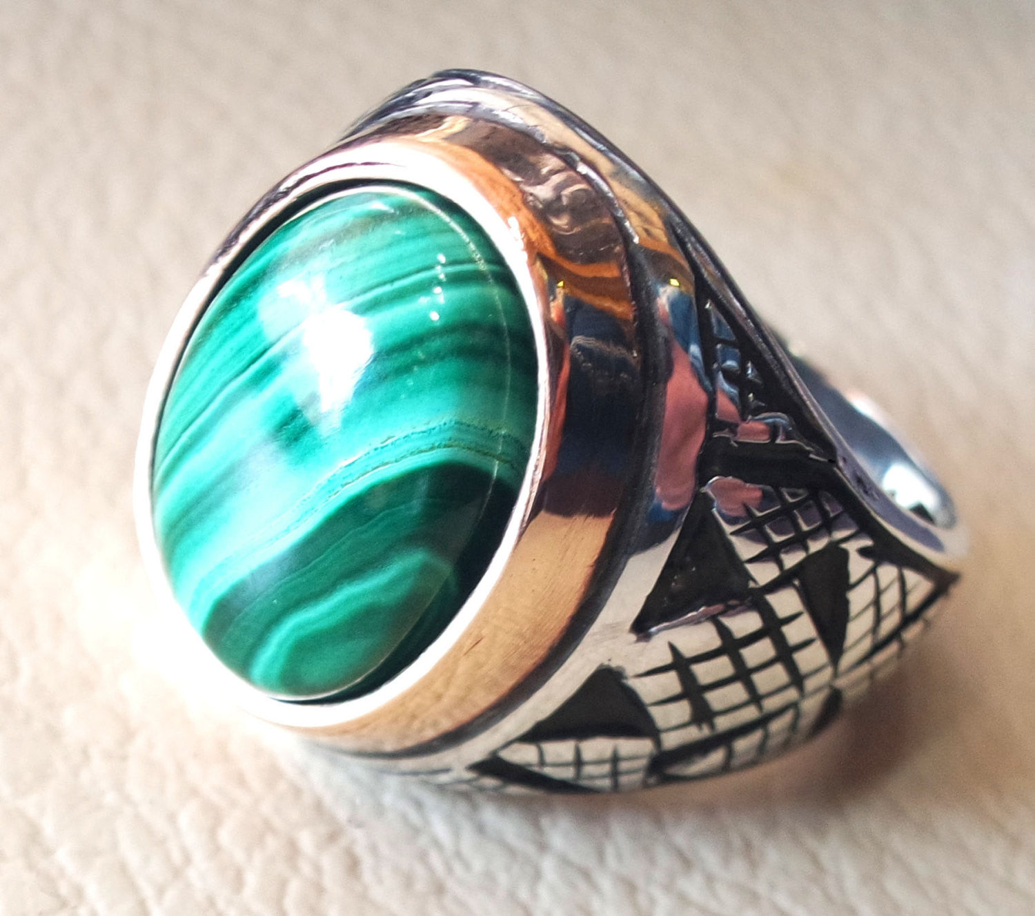 malachite natural green stone sterling silver 925 man ring jewelry bronze frame eastern turkish arabic style oval semi precious cabochon