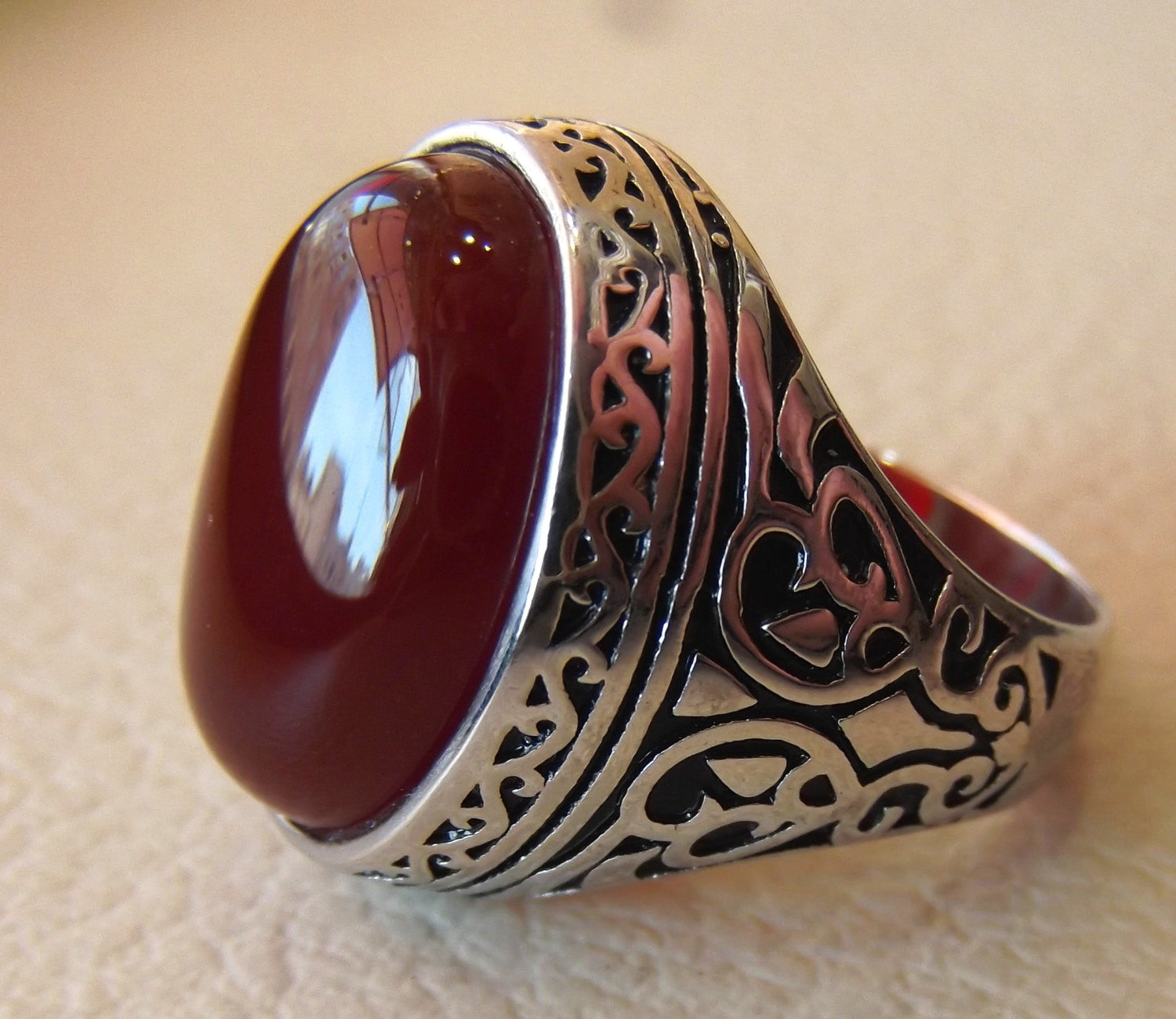 aqeeq natural liver agate carnelian semi precious stone oval red cabochon gem man ring sterling silver arabic middle eastern turkey style