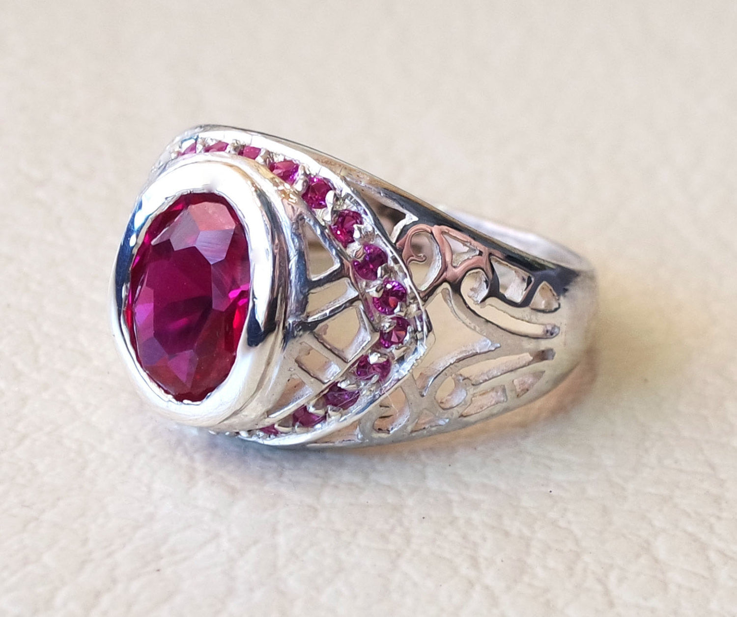 red color unisex sterling silver 925 ring corundum oval high quality synthetic ruby deep vivid color identical to genuine men women jewelry